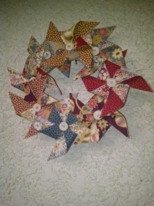 Pinwheel wreath made of fabric